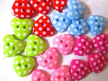 15m Polka dot heart shaped buttons